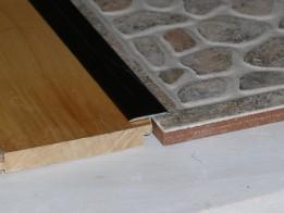 montare prag cu adeziv ulterior placarii