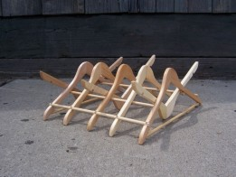 suport de vase din lemn